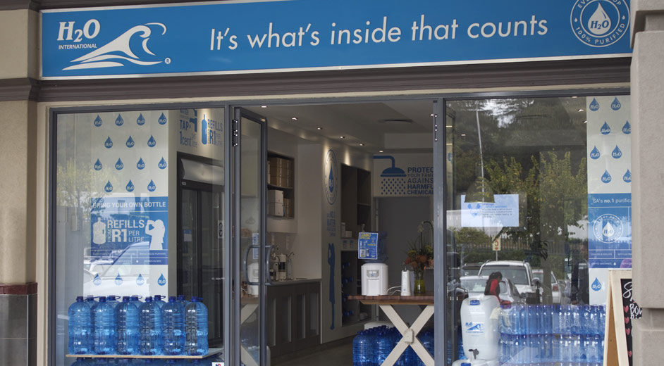 about_h2o_bedfordview_store02