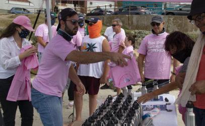 H2O | BWT Team Handing out Bottles & Shirts